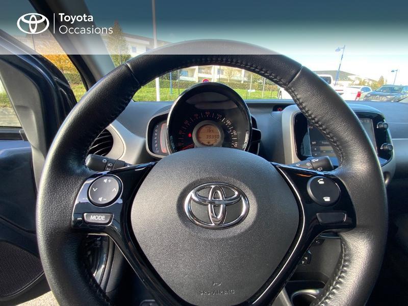 Photo 13 de l'offre de TOYOTA Aygo 1.0 VVT-i 69ch x-play 5p à 8490€ chez Altis - Toyota Auray