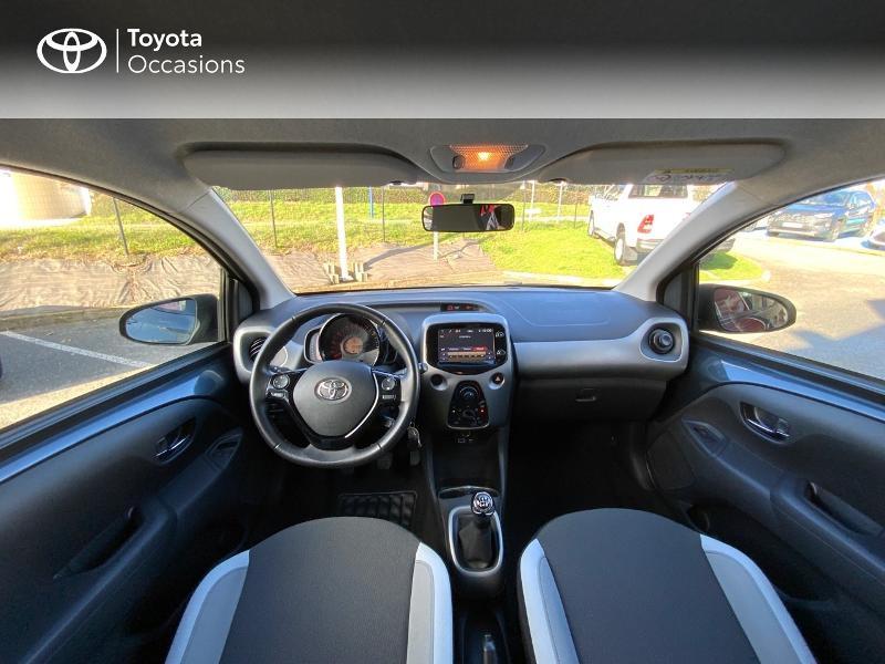 Photo 8 de l'offre de TOYOTA Aygo 1.0 VVT-i 69ch x-play 5p à 8490€ chez Altis - Toyota Auray