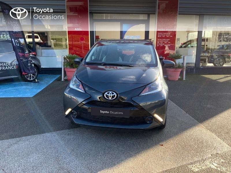 Photo 29 de l'offre de TOYOTA Aygo 1.0 VVT-i 69ch x-play 5p à 8490€ chez Altis - Toyota Auray