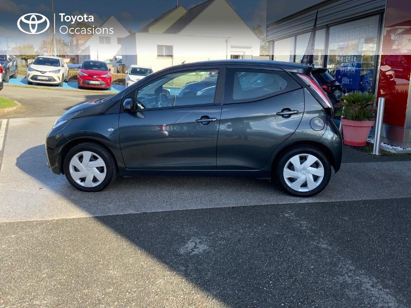 Photo 27 de l'offre de TOYOTA Aygo 1.0 VVT-i 69ch x-play 5p à 8490€ chez Altis - Toyota Auray