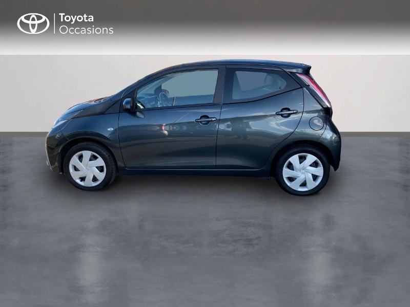 Photo 3 de l'offre de TOYOTA Aygo 1.0 VVT-i 69ch x-play 5p à 8490€ chez Altis - Toyota Auray