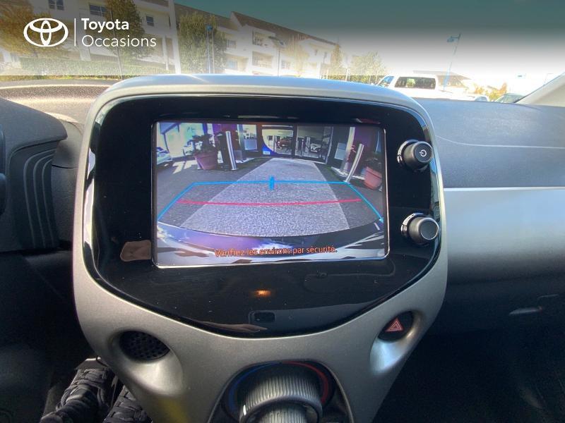 Photo 24 de l'offre de TOYOTA Aygo 1.0 VVT-i 69ch x-play 5p à 8490€ chez Altis - Toyota Auray
