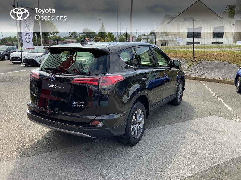 Photo 18 de l'offre de TOYOTA RAV4 197 Hybride Design Business 2WD CVT à 22990€ chez Altis - Toyota Auray
