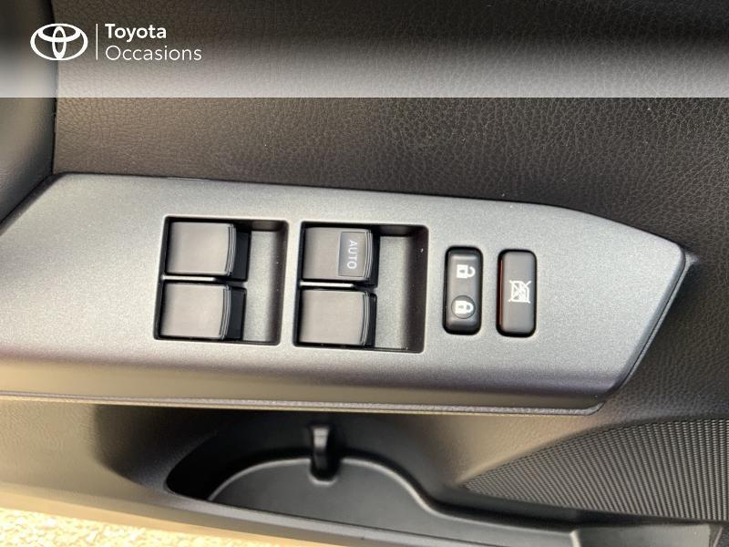 Photo 21 de l'offre de TOYOTA RAV4 197 Hybride Design Business 2WD CVT à 22990€ chez Altis - Toyota Auray