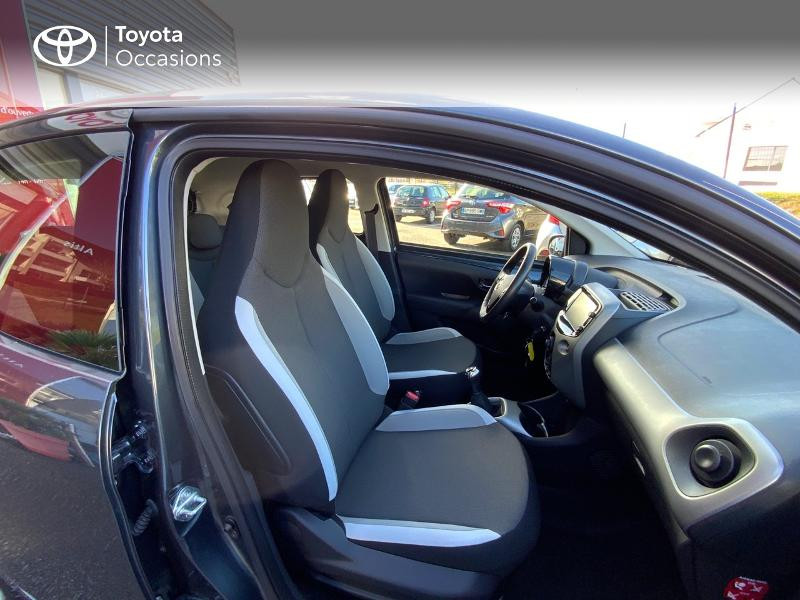 Photo 6 de l'offre de TOYOTA Aygo 1.0 VVT-i 69ch x-play 5p à 8490€ chez Altis - Toyota Auray