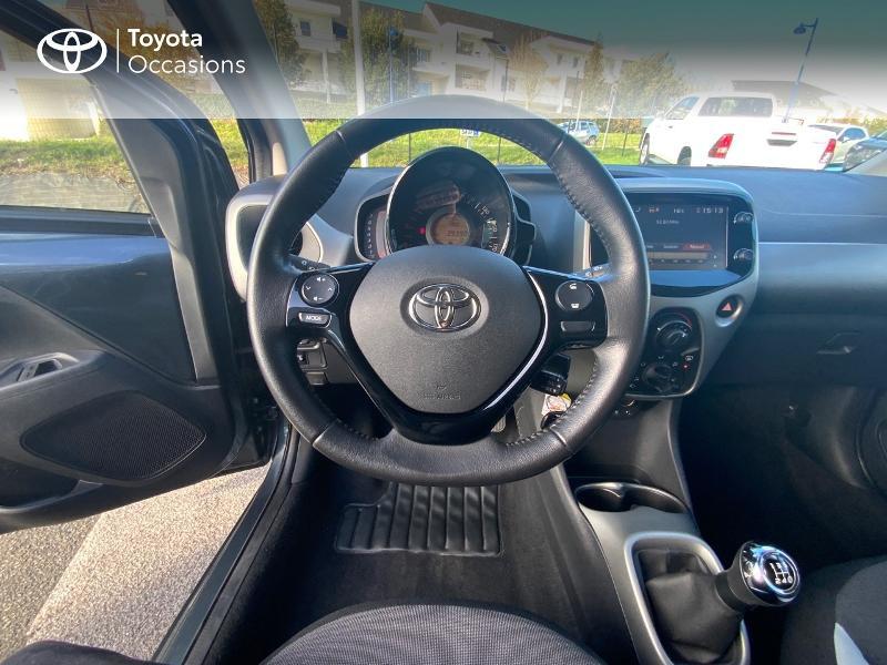 Photo 9 de l'offre de TOYOTA Aygo 1.0 VVT-i 69ch x-play 5p à 8490€ chez Altis - Toyota Auray