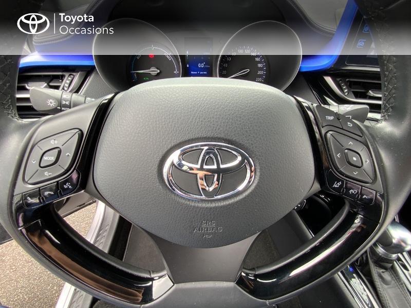 Photo 20 de l'offre de TOYOTA C-HR 122h Graphic 2WD E-CVT à 20690€ chez Altis - Toyota Auray