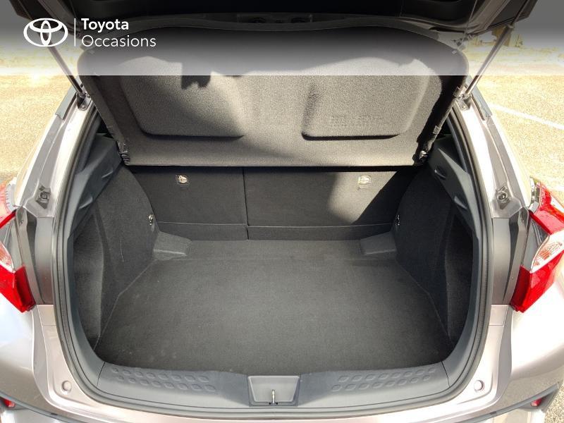 Photo 10 de l'offre de TOYOTA C-HR 122h Graphic 2WD E-CVT à 20690€ chez Altis - Toyota Auray