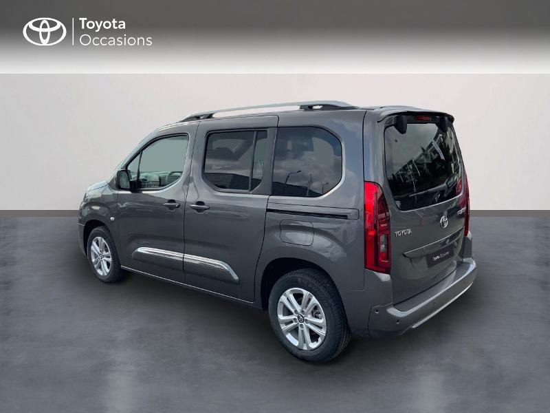 Photo 2 de l'offre de TOYOTA PROACE CITY Verso Medium 1.5 100 D-4D Executive RC21 à 28650€ chez Altis - Toyota Auray