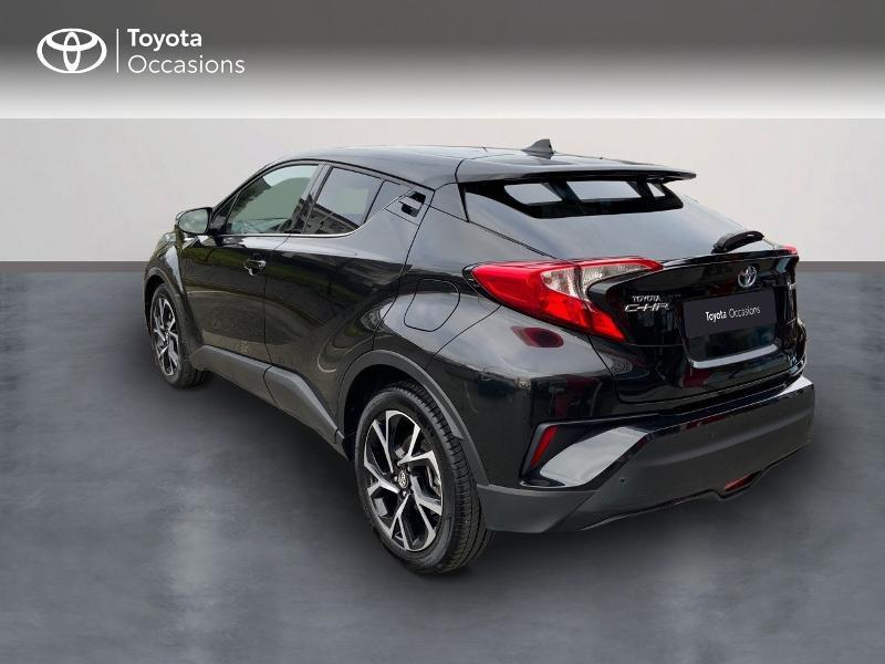 Photo 2 de l'offre de TOYOTA C-HR 122h Edition 2WD E-CVT RC18 à 21990€ chez Altis - Toyota Auray