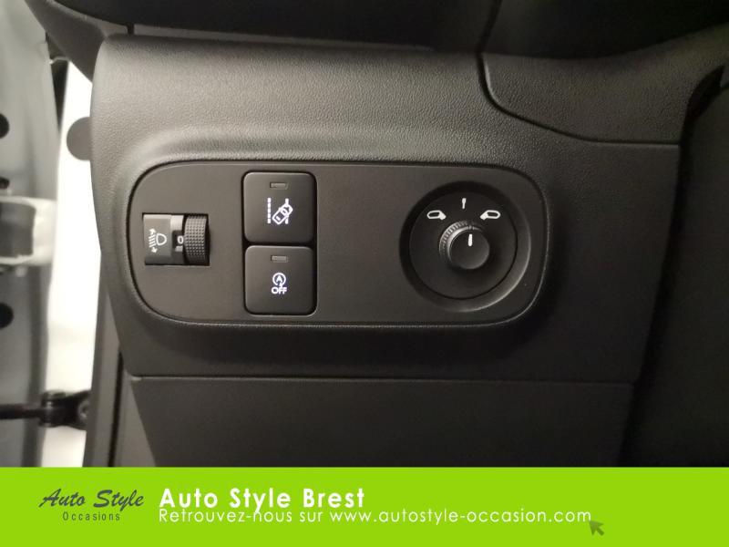 Photo 9 de l'offre de CITROEN C3 PureTech 110ch Feel S&S E6.d 6cv à 14990€ chez Autostyle Brest