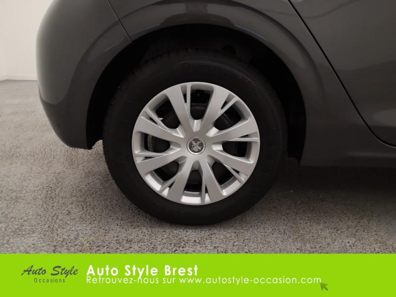 Photo 17 de l'offre de PEUGEOT 208 1.5 BlueHDi 100ch S&S Active à 13990€ chez Autostyle Brest