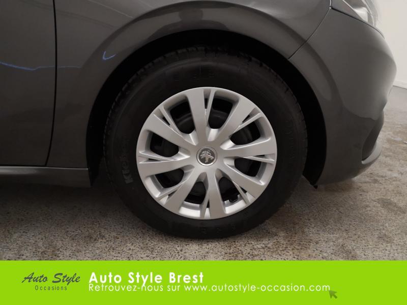 Photo 18 de l'offre de PEUGEOT 208 1.5 BlueHDi 100ch S&S Active à 13990€ chez Autostyle Brest