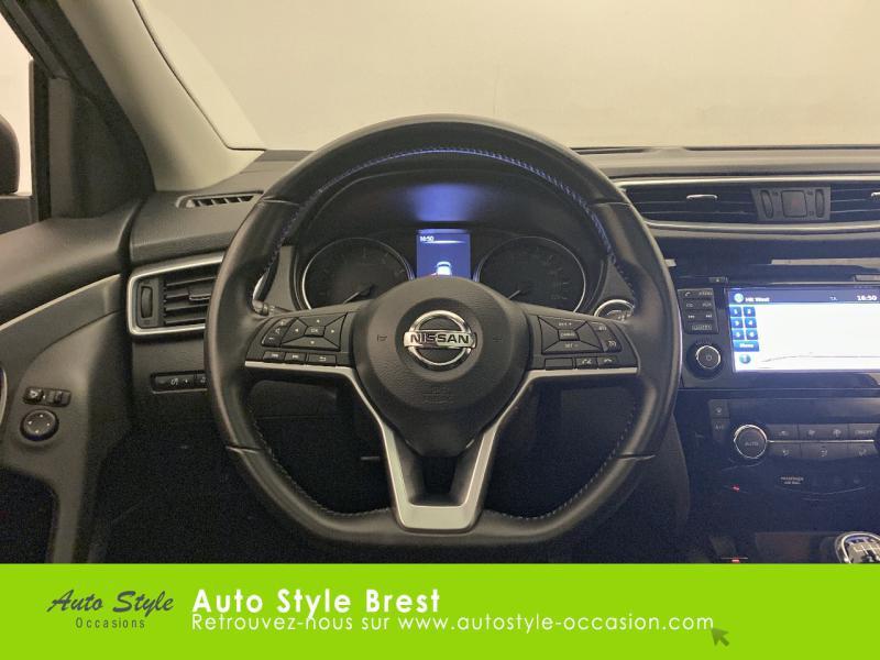 Photo 16 de l'offre de NISSAN Qashqai 1.2 DIG-T 115ch N-Connecta à 17990€ chez Autostyle Brest
