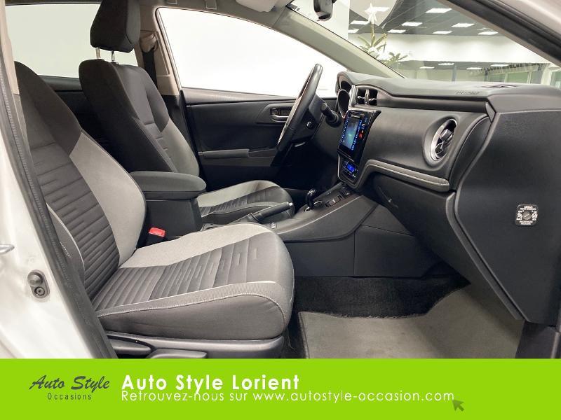 Photo 8 de l'offre de TOYOTA Auris HSD 136h Executive à 13900€ chez Autostyle Lorient