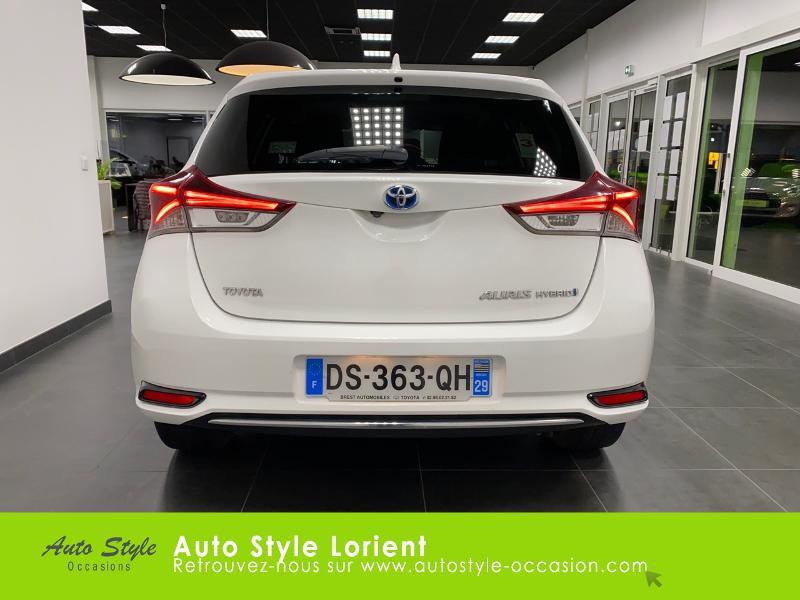 Photo 5 de l'offre de TOYOTA Auris HSD 136h Executive à 13900€ chez Autostyle Lorient