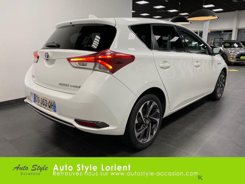 Photo 3 de l'offre de TOYOTA Auris HSD 136h Executive à 13900€ chez Autostyle Lorient