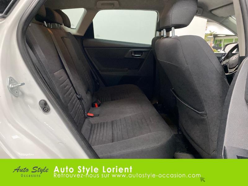 Photo 7 de l'offre de TOYOTA Auris HSD 136h Executive à 13900€ chez Autostyle Lorient
