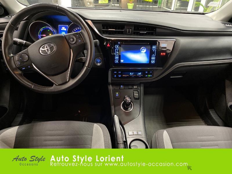 Photo 9 de l'offre de TOYOTA Auris HSD 136h Executive à 13900€ chez Autostyle Lorient