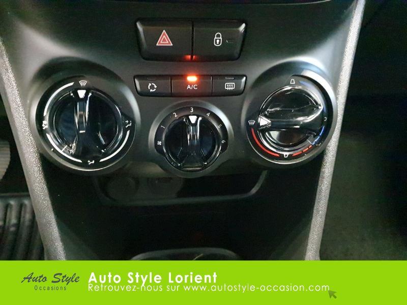 Photo 19 de l'offre de PEUGEOT 208 1.5 BlueHDi 100ch S&S Active à 14490€ chez Autostyle Lorient