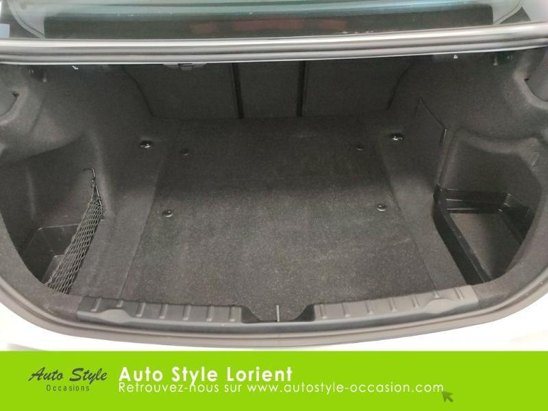 Photo 12 de l'offre de BMW Serie 3 318dA 150ch M Sport à 20990€ chez Autostyle Lorient