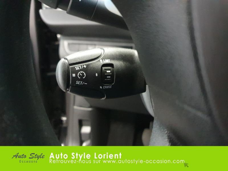 Photo 14 de l'offre de PEUGEOT 208 1.5 BlueHDi 100ch S&S Active à 14490€ chez Autostyle Lorient