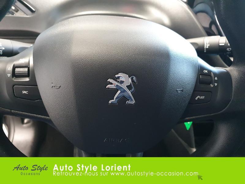 Photo 18 de l'offre de PEUGEOT 208 1.5 BlueHDi 100ch S&S Active à 14490€ chez Autostyle Lorient