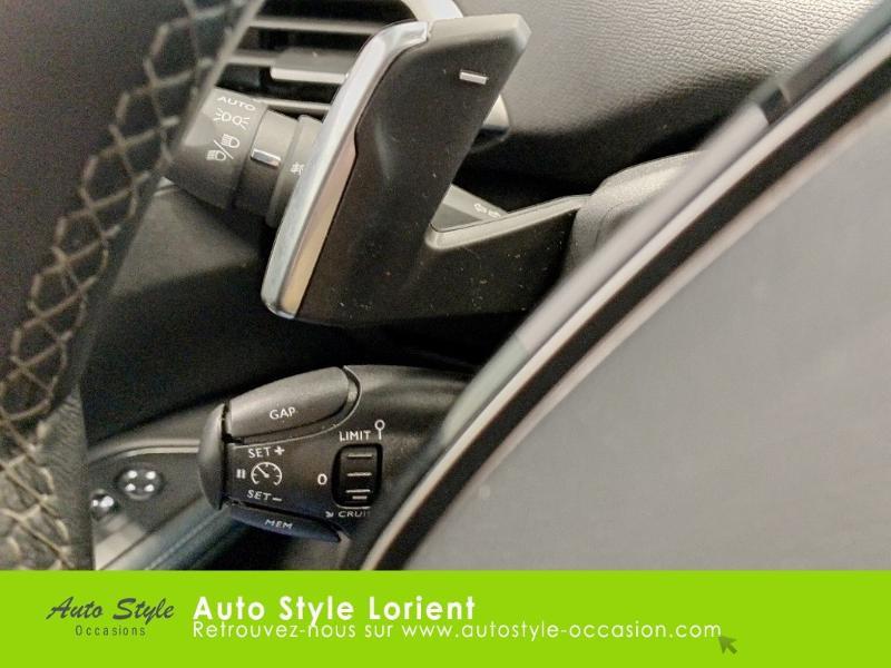 Photo 12 de l'offre de PEUGEOT 5008 1.5 BlueHDi 130ch E6.c Allure S&S EAT8 à 27480€ chez Autostyle Lorient