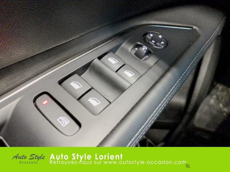 Photo 13 de l'offre de PEUGEOT 5008 1.5 BlueHDi 130ch E6.c Allure S&S EAT8 à 27480€ chez Autostyle Lorient