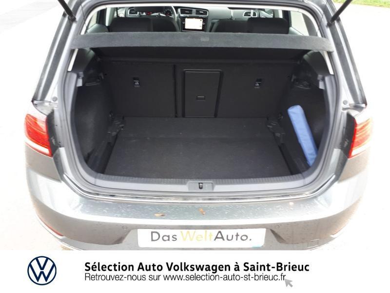 Photo 12 de l'offre de VOLKSWAGEN Golf 1.6 TDI 115ch FAP Confortline Business 5p à 18990€ chez Sélection Auto - Volkswagen Saint Brieuc