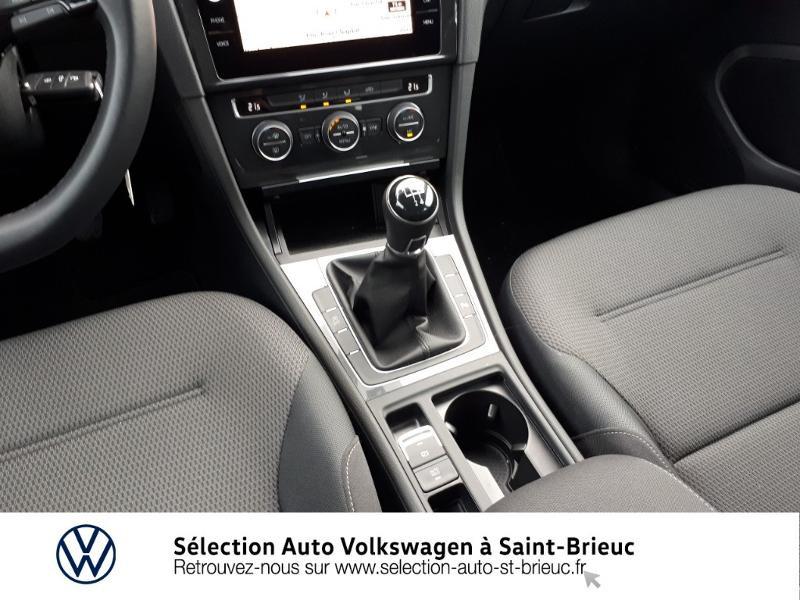 Photo 10 de l'offre de VOLKSWAGEN Golf 1.6 TDI 115ch FAP Confortline Business 5p à 18990€ chez Sélection Auto - Volkswagen Saint Brieuc