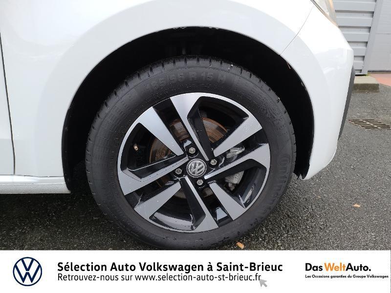 Photo 14 de l'offre de VOLKSWAGEN up! 1.0 60ch BlueMotion Technology Move up! 5p Euro6d-T à 10990€ chez Garage de l'Avenir - SKODA Saint Brieuc