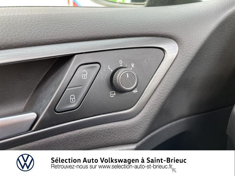 Photo 18 de l'offre de VOLKSWAGEN Golf 1.6 TDI 115ch FAP Confortline Business DSG7 5p à 16490€ chez Sélection Auto - Volkswagen Saint Brieuc