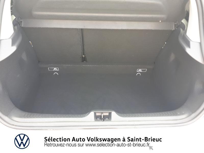 Photo 12 de l'offre de RENAULT Clio 0.9 TCe 90ch energy Intens 5p Euro6c à 12490€ chez Sélection Auto - Volkswagen Saint Brieuc