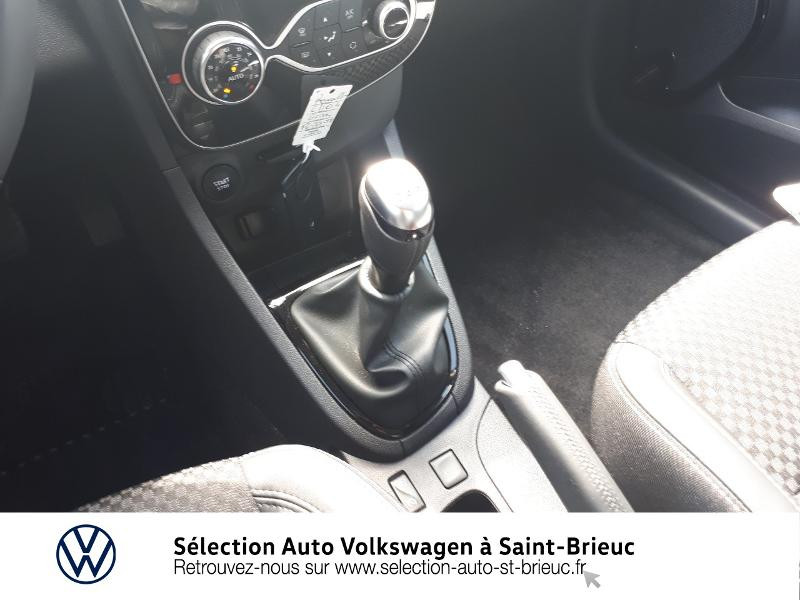 Photo 10 de l'offre de RENAULT Clio 0.9 TCe 90ch energy Intens 5p Euro6c à 12490€ chez Sélection Auto - Volkswagen Saint Brieuc