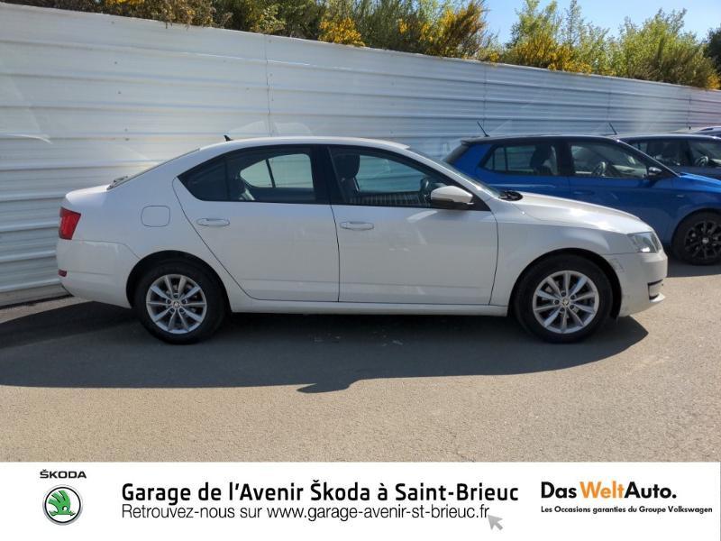 Photo 2 de l'offre de SKODA Octavia 1.6 TDI 105ch CR FAP Green Tec Ambition à 9990€ chez Sélection Auto - Volkswagen Saint Brieuc
