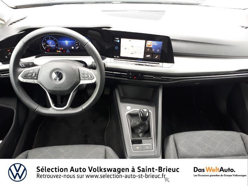 Photo 6 de l'offre de VOLKSWAGEN Golf 2.0 TDI SCR 115ch Life 1st à 25990€ chez Sélection Auto - Volkswagen Saint Brieuc
