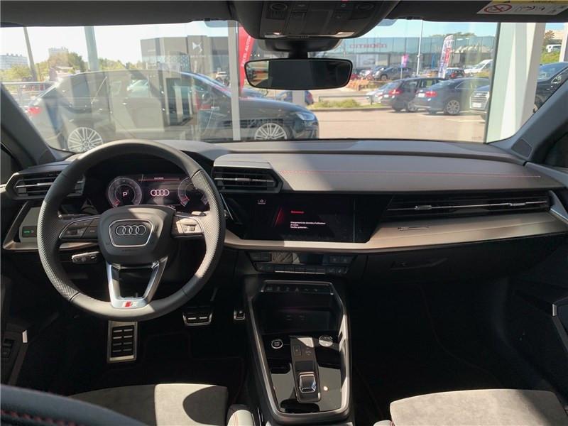 Photo 4 de l'offre de AUDI A3/S3 35 TFSI 150 S TRONIC 7 à 47490€ chez Excel Automobiles – Audi Brest