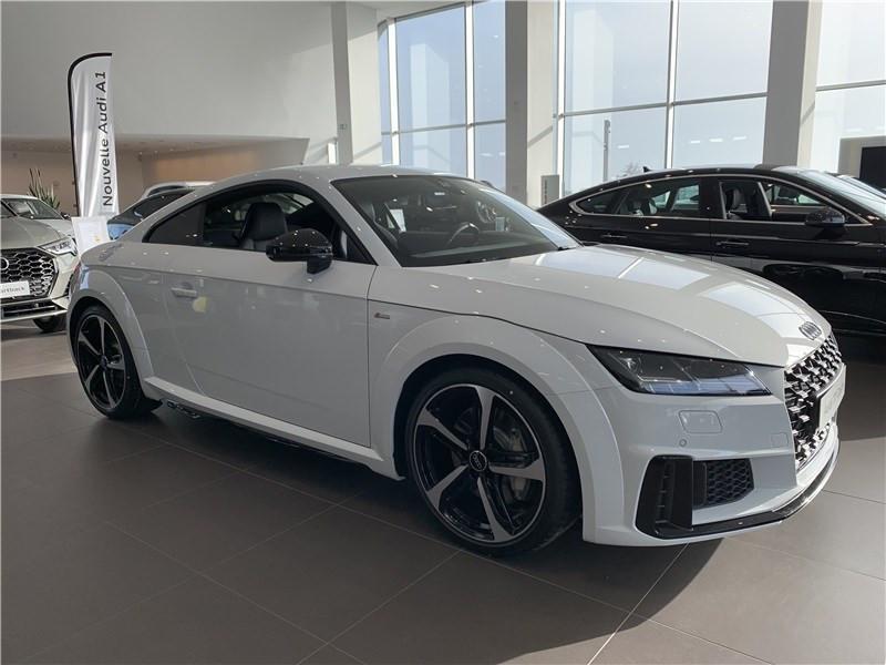 Photo 1 de l'offre de AUDI TT 45 TFSI 245 S TRONIC 7 à 54990€ chez Excel Automobiles – Audi Brest