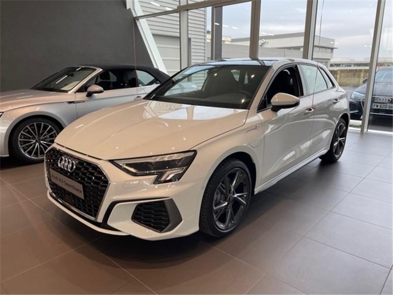 Audi A3/S3 40 TFSIE 204 S TRONIC 6 Essence / Courant électrique BLANC GLACIER Occasion à vendre