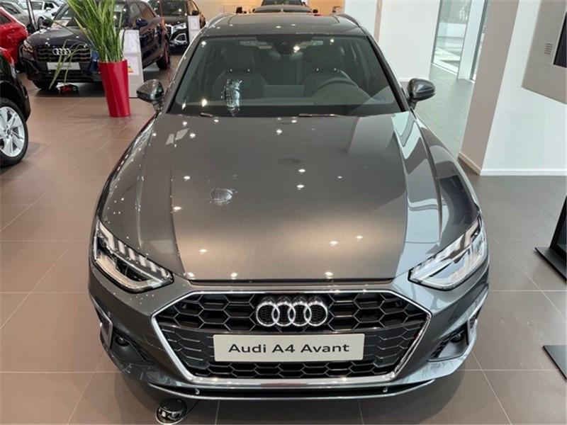 Photo 2 de l'offre de AUDI A4 35 TDI 163 S TRONIC 7 à 47490€ chez Excel Automobiles – Audi Brest