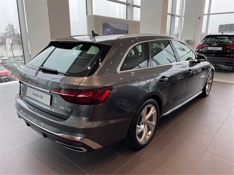 Photo 7 de l'offre de AUDI A4 35 TDI 163 S TRONIC 7 à 47490€ chez Excel Automobiles – Audi Brest