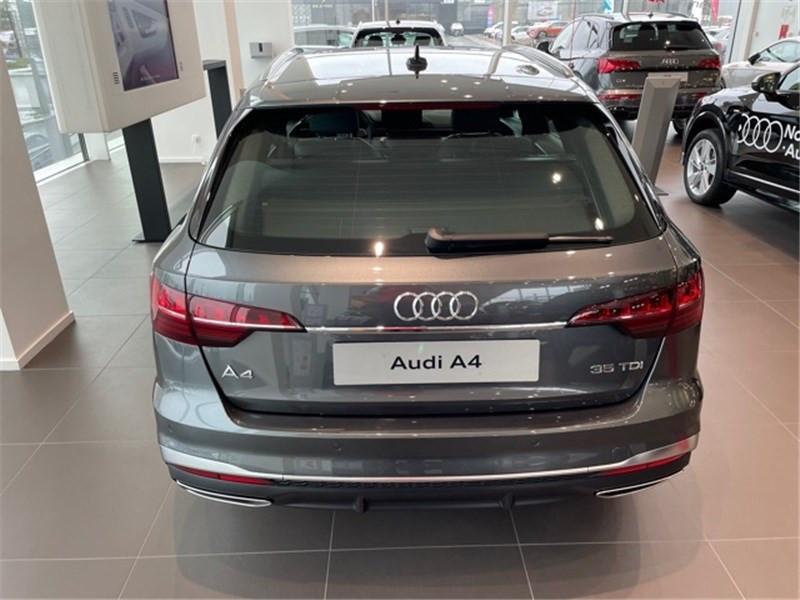Photo 6 de l'offre de AUDI A4 35 TDI 163 S TRONIC 7 à 47490€ chez Excel Automobiles – Audi Brest