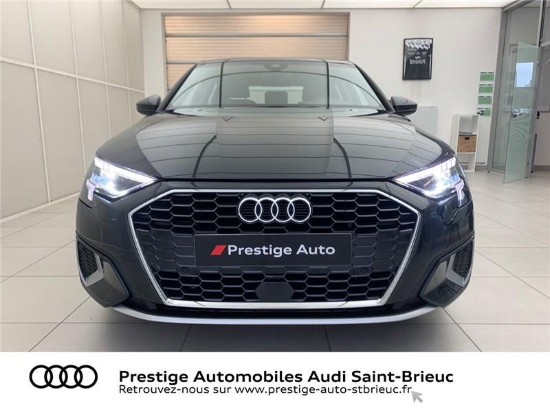 Photo 2 de l'offre de AUDI A3 BERLINE 35 TFSI MHEV 150 S TRONIC 7 à 44479€ chez Prestige Automobiles – Audi St Brieuc