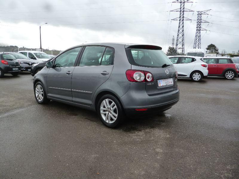Photo 3 de l'offre de VOLKSWAGEN GOLF PLUS 2.0 TDI 140CH CONFORT à 5000€ chez Jestin autos