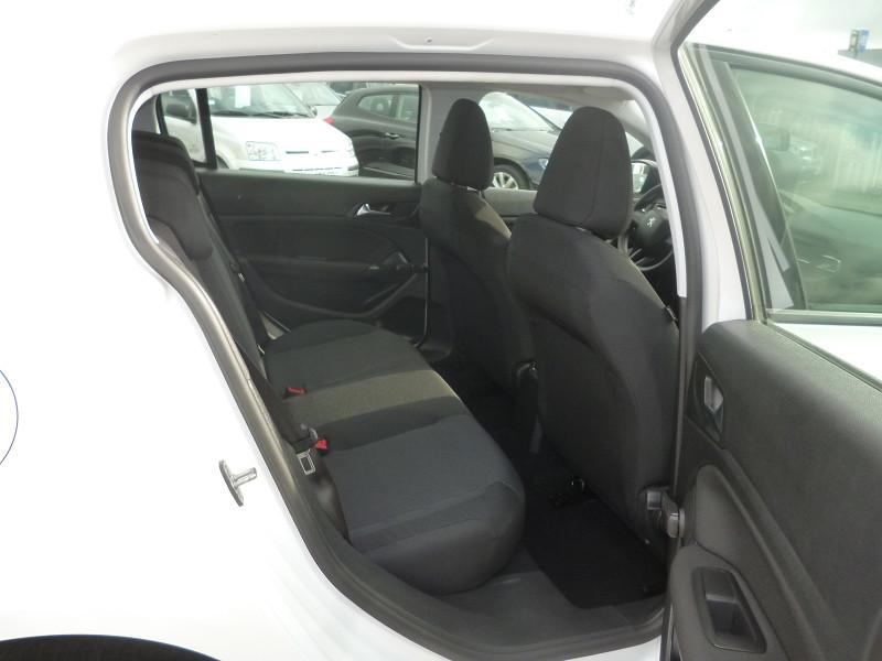 Photo 6 de l'offre de PEUGEOT 308 1.6 BLUEHDI 100CH ACCESS S&S 5P à 9800€ chez Jestin autos