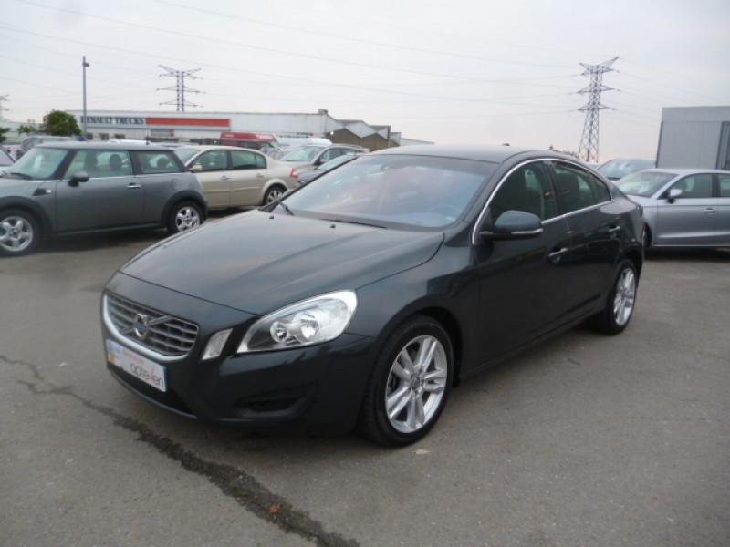 Photo 1 de l'offre de VOLVO S60 D4 163CH START&STOP MOMENTUM GEARTRONIC BVA à 11490€ chez Jestin autos
