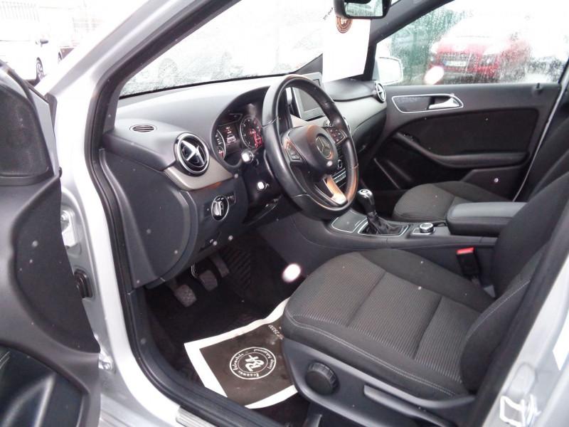 Photo 9 de l'offre de MERCEDES-BENZ CLASSE B (W246) 180 CDI INSPIRATION à 14500€ chez Jestin autos