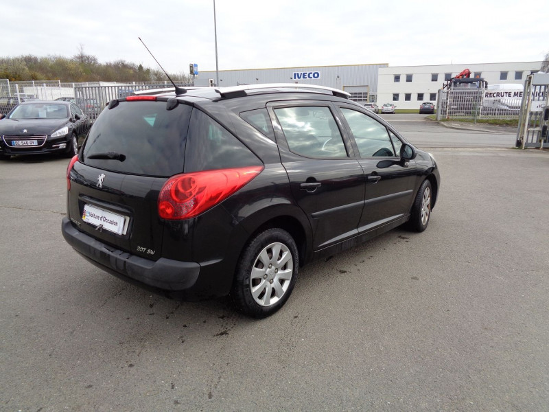Photo 4 de l'offre de PEUGEOT 207 SW 1.6 HDI90 ACTIVE à 4490€ chez Jestin autos