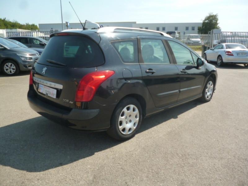 Photo 4 de l'offre de PEUGEOT 308 SW 1.6 HDI90 CONFORT à 3500€ chez Jestin autos